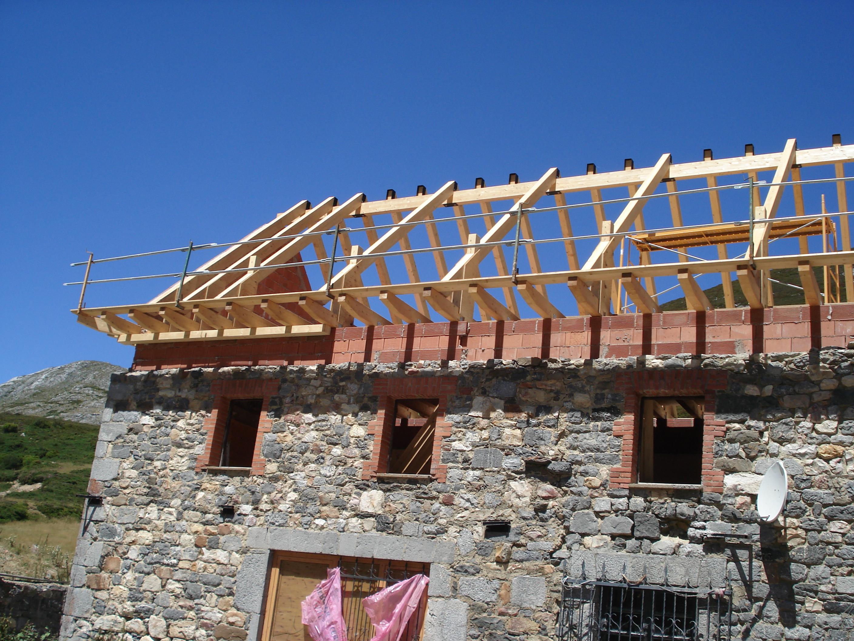 Cubierta de madera vegarada 1 cubiertas de madera for Materiales para techos de madera